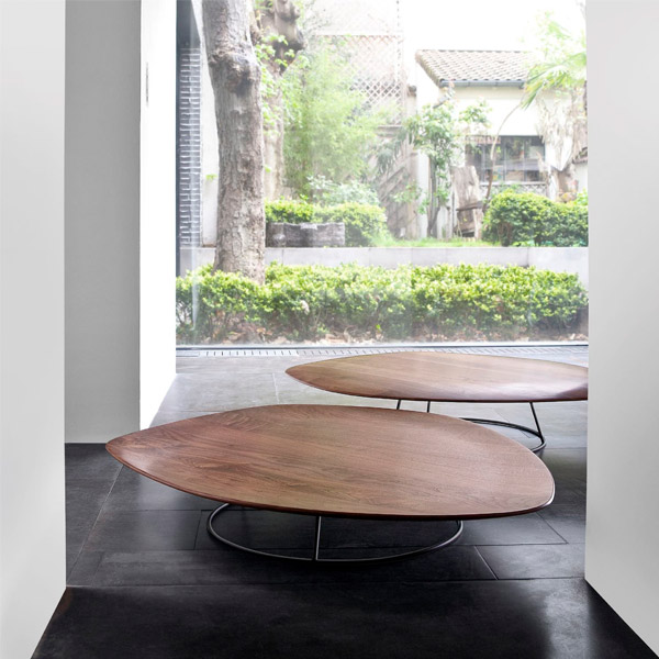 Table Pebble par Cinna
