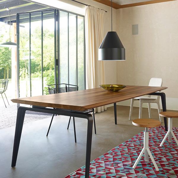 loft urbain mat riaux bruts et couleurs sobres pour esprit loft changez de meubles. Black Bedroom Furniture Sets. Home Design Ideas